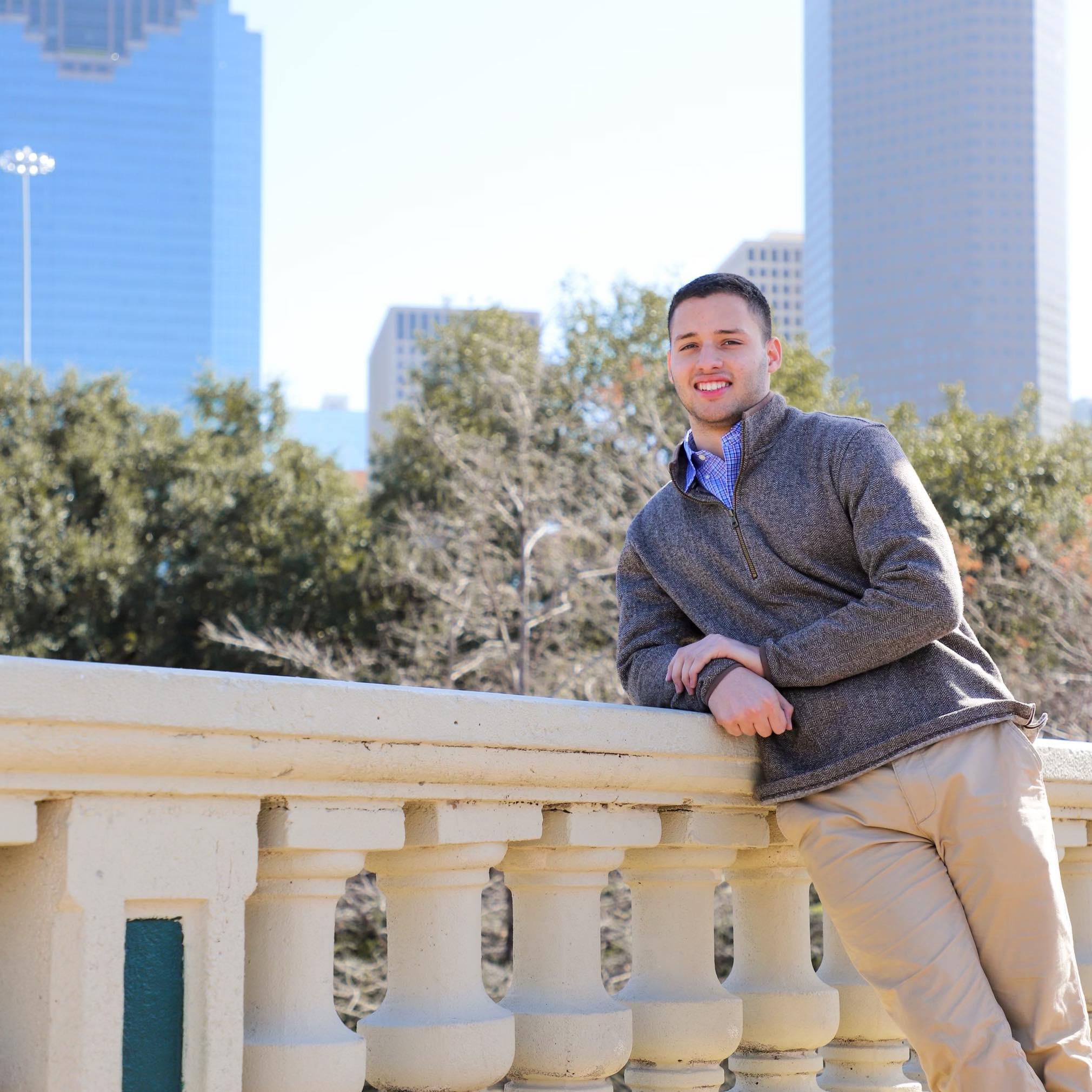 Carlos Gil Nasa House Buyers Review Photo